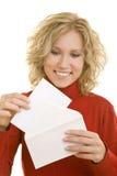Öffnen eines Briefs Lizenzfreie Stockbilder
