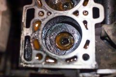 Öffnen Sie alten Block auf Vierzylindermaschine Stockfotos