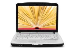 Öffnen Sie Buch auf dem Laptopbildschirm, eBook Lizenzfreies Stockfoto