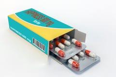 Öffnen Sie das beschriftete geöffnete Glück der Medizin Paket Lizenzfreies Stockfoto