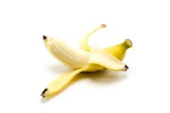 Öffnen Sie die reife Banane, die auf weißem Hintergrund lokalisiert wird Stockfotos