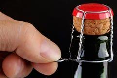 Öffnen Sie eine Flasche in der Nahaufnahme lizenzfreies stockfoto