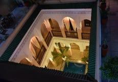 Öffnen Sie Hof des marokkanischen Hauses stockbilder