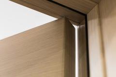 Öffnen Sie Holztür Stockbilder