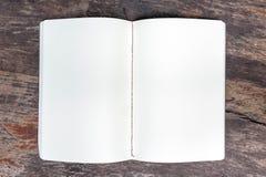 Öffnen Sie leeres Anmerkungsbuch Stockfotografie