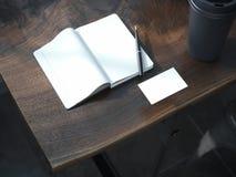 Öffnen Sie leeres Notizbuch mit schwarzem Stift Lizenzfreies Stockbild