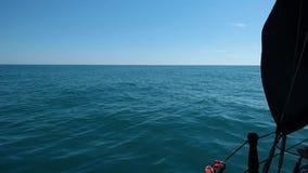 Öffnen Sie meeres- Ansicht von der Piratenschiffsseite stock footage