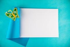 Öffnen Sie Notizbuch mit Dekor Lizenzfreie Stockbilder