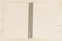 Öffnen Sie Notizbuch mit Zelle stockfotos