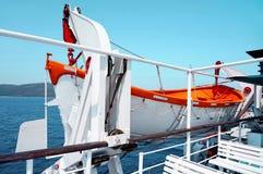 Öffnen Sie Rettungsboot auf einer Fähre Stockfotos