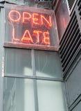 Öffnen Sie spätes Zeichen (2) Stockfotografie