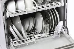 Öffnen Sie Spülmaschine, nachdem Sie sich gewaschen haben Lizenzfreie Stockfotos