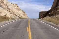 Öffnen Sie Straße - herauf Hügel Stockfotos