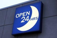 Öffnen Sie 24 Stunden Zeichen Lizenzfreies Stockfoto