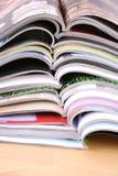 Öffnen Sie Zeitschriften stockfotografie