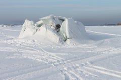Öffnung des Eises auf dem Fluss Stockfotos