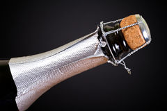 Öffnungsflasche Champagner Lizenzfreie Stockfotos