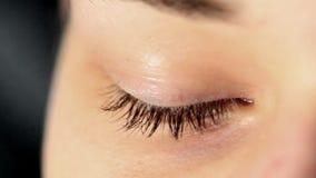 ögat dras ihop nervöst lager videofilmer