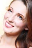 Ögat för det stilfulla idérika sminket för höstkvinnan piskar det falska Fotografering för Bildbyråer