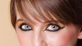 Ögon av den Orient flickan med makeup royaltyfri foto