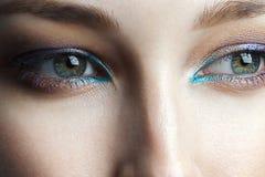 Ögon av den unga härliga kvinnan med ren perfekt hud royaltyfri fotografi