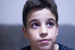 Ögon av en pojke royaltyfri foto