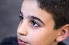 Ögon av en pojke royaltyfria foton