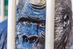 Ögon av fejkar gorillan royaltyfri foto