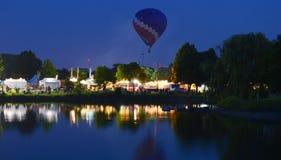 Ögon till himmelfestivalen - Ballon Glow18 royaltyfri fotografi