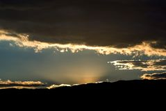 Ögonblick för mörkernedgången fotografering för bildbyråer