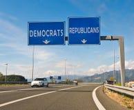 Ögonblicket av valet, republikanen eller demokraten Fotografering för Bildbyråer