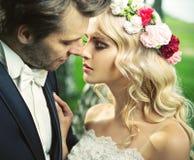 Ögonblicket efter romantisk kyss Royaltyfri Bild