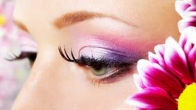 Ögoncloseup med makeup. Arkivbilder