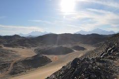Öken berg, sand på en solig dag Fotografering för Bildbyråer
