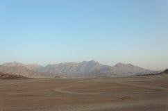 Öken i Afrika ATV-safari Utfärder i Egypten Royaltyfria Foton