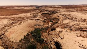 Öken i Utah, USA scenisk liggande Natur geologi, miljö av Utah Sikt från över, flyg- sikt, surrskott stock video