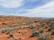 Öken- och stadspanoramautsikter från att fotvandra skuggar runt om St George Utah runt om Beck Hill, Chuckwalla, sköldpaddaväggen Arkivbild