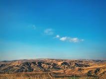 ökenberg av Azerbajdzjan i sommar arkivfoton