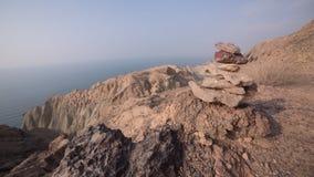Ökenberg nära havet Arkivfoton