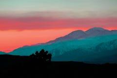 Ökenberg på soluppgång i Joshua Tree National Park Arkivfoton