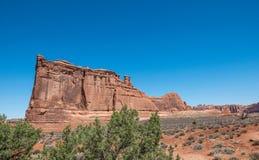 Ökenlandskap av Utah, USA Stenklippor i bågenationalparken arkivbilder