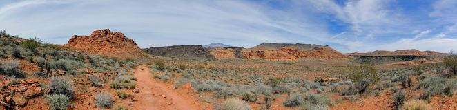 Ökenpanoramautsikter från att fotvandra skuggar runt om St George Utah runt om Beck Hill, Chuckwalla, sköldpaddaväggen, paradiska Royaltyfri Fotografi