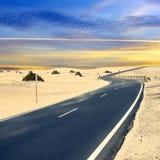 Ökenväg. Royaltyfri Fotografi