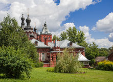 Öknar för Kazan klosterAmvrosievskaya kvinnlig royaltyfri fotografi