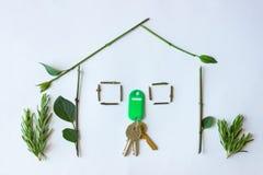 Öko-Haus: Symbol für grüne Gebäude- und Naturarchitektur Sy Stockfotos