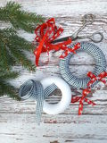 Ökologische, hölzerne Weihnachtsdekorationen lizenzfreies stockfoto