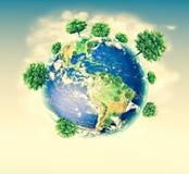 Ökologisches Konzept der Umwelt mit der Bearbeitung von Bäumen Hintergrund ist mit Sternen voll Körperliche Kugel der Erde Stockfotos
