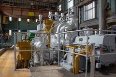 Öl angetriebene Station der elektrischen Leistung stockfotografie