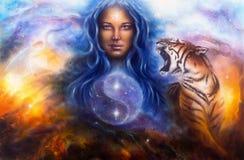 Öl der schönen Malerei auf Segeltuch einer Frau, die ein heiliges Ba schützt Stockbilder
