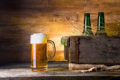 Öl i en ask Fotografering för Bildbyråer